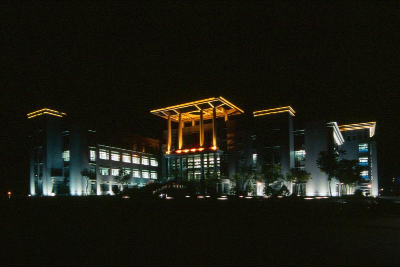 北京工商大学图书馆夜景图片